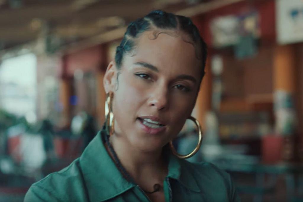 Alicia Keys - Underdog (Official Video)