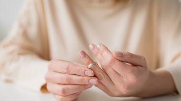 Rozwód. Jak poradzić sobie z emocjami