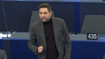 Patryk Jaki podczas debaty o praworządności w PE