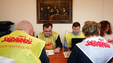 Co dalej z okupacją budynku kuratorium w Krakowie? Nauczyciele z