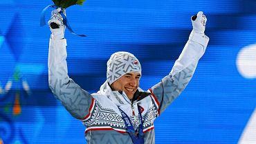 Na normalnej skoczni w Soczi Stoch wytrzymał presję i z ogromną (12,7 pkt!) przewagą wygrał pierwszy konkurs olimpijski. To nie udało się nawet Adamowi Małyszowi!