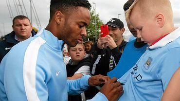 Raheem Sterling rozdaje pierwsze autografy