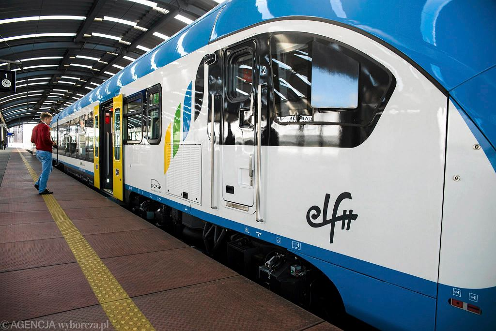 Nowy pociąg Elf II wyprodukowany przez Pesę