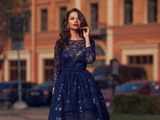 sukienka na wesele dla niskich kobiet
