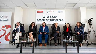 Debata kandydatów do Parlamentu Europejskiego na Pomorzu. Od lewej: Janusz Lewandowski (KE), Beata Maciejewska (Wiosna Roberta Biedronia), Maciej Zborowski (Polska Fair Play), Anna Fotyga (PiS), Anna Błaszczyk (Kukiz 15), Anna Górska (Lewica Razem)