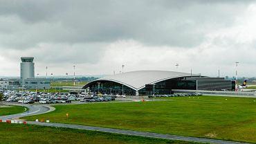 Port Lotniczy Rzeszów-Jasionka podobnie, jak wszystkie lotniska, w związku z pandemią koronawirusa, zakazem lotów wprowadzonym na początku pandemii i dużymi ograniczeniami w ruchu pasażerskim w sezonie letnim liczy straty