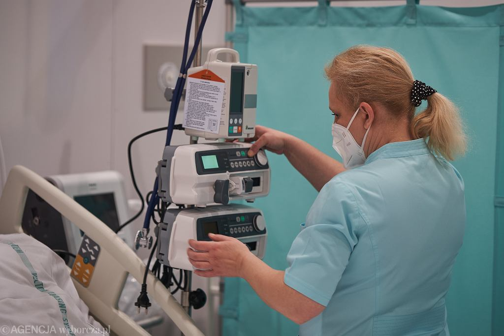 Koronawirus w Polsce. W szpitalu w hali Expo z powodu bakterii wstrzymano przyjęcia i wypisy
