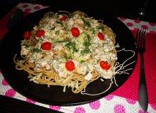 Spaghetti z łososiem i sosem koperkowym - ugotuj