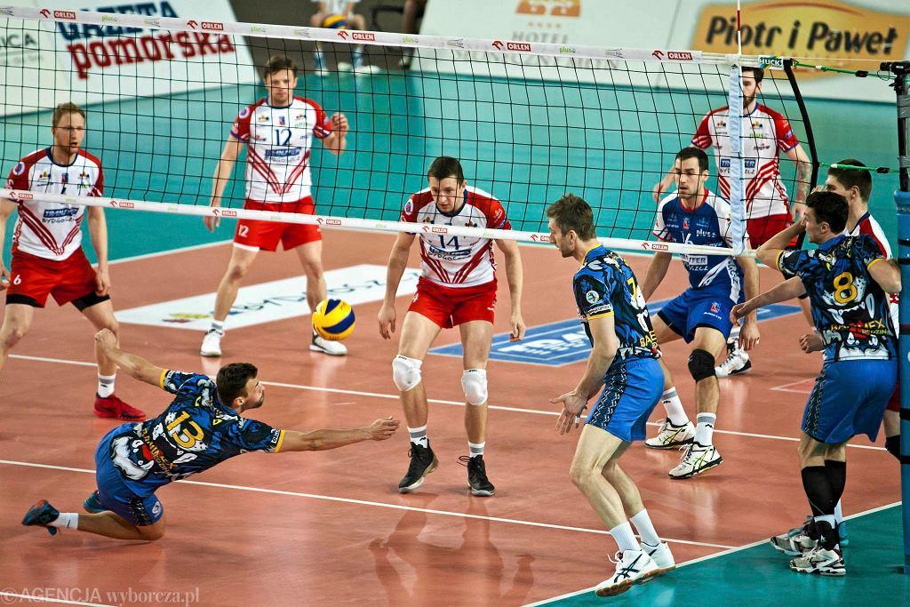 MKS Banimex w wyjazdowym meczu z Transferem Bydgoszcz