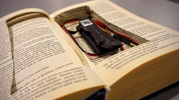 Książka z miniaturową kamerą Wi-Fi V99