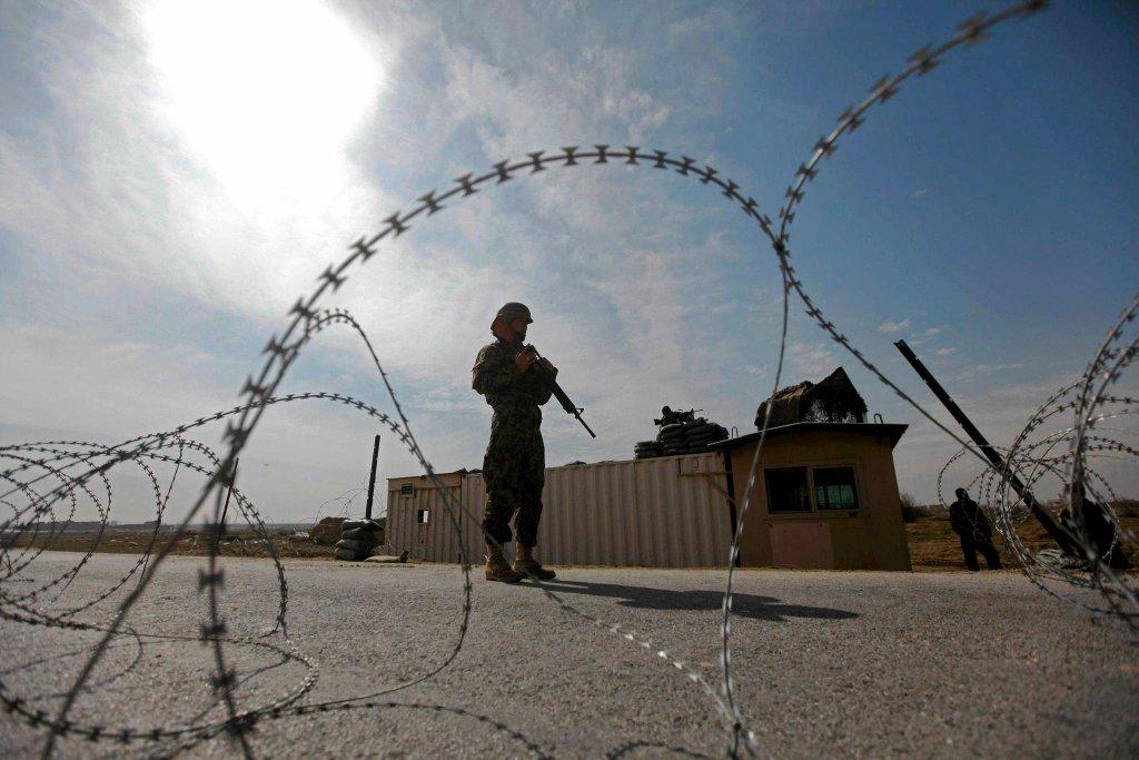 Nad Afganistanem wisi widmo wojny domowej