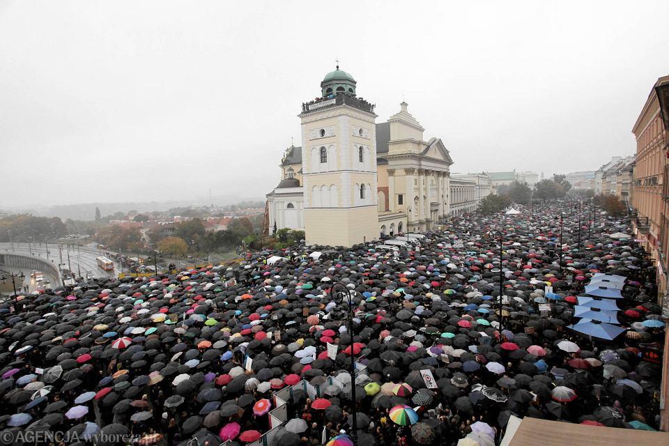 Czarny protest w Warszawie