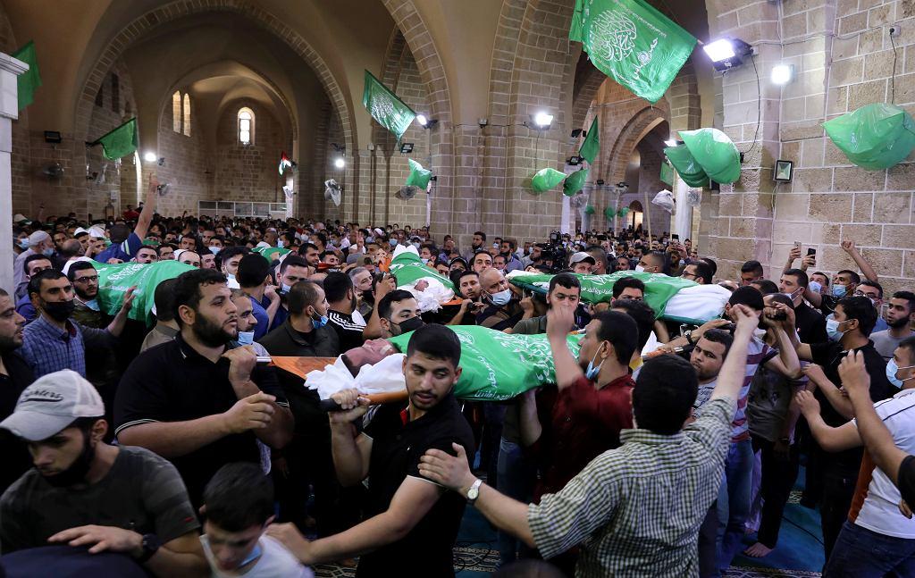 Pogrzeb bojówkarzy organizacji Hamas zabitych w izraelskich nalotach