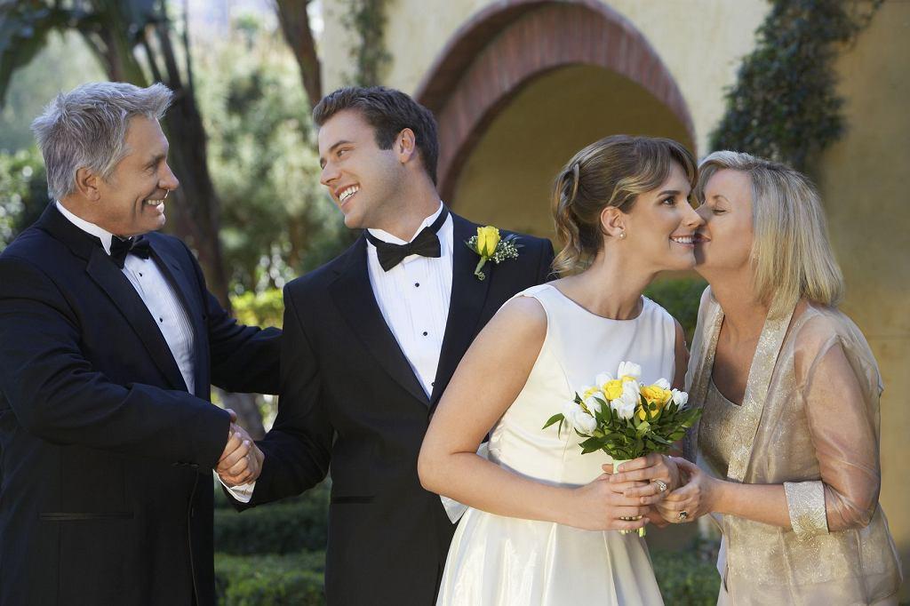 Podziękowania dla rodziców to element, który pojawia się na wielu weselach.