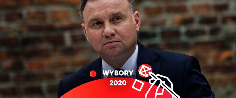 """""""Kompromitował i ośmieszał Polskę"""". Byli ambasadorzy o polityce Dudy"""