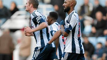 Piłkarze West Bromwich Albion. Z prawej Nicolas Anelka