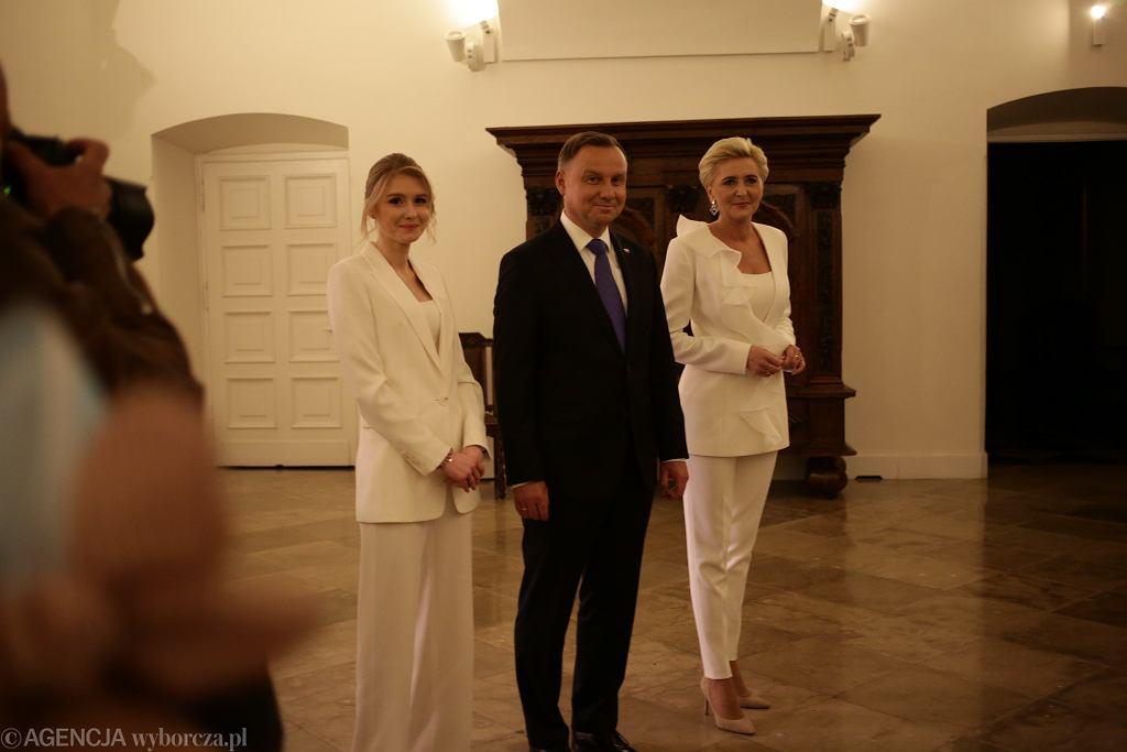 Wybory prezydenckie - Andrzej Duda z żoną i córką
