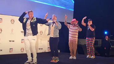 Back-Sync Perform 'Bye Bye Bye' at The Grove