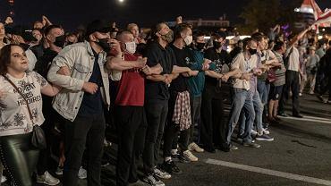 Protesty po sfałszowanych wyborach prezydenckich na Białorusi. W ramach pacyfikacji reżim (m. in.) zablokował dostęp do internetu. Mińsk, 9 sierpnia 2020