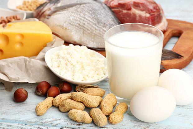 Ile należy jeść białka?