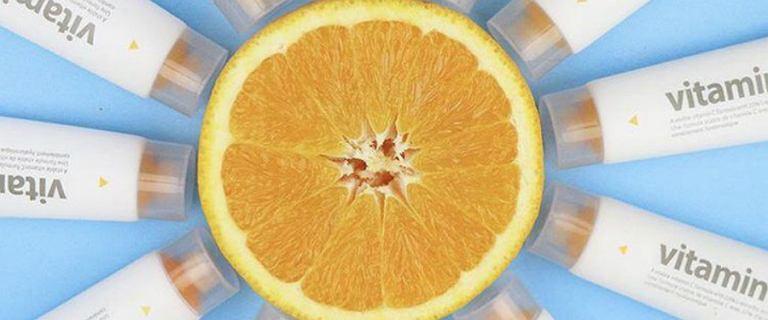 Kosmetyki z witaminą C na jesień! Rozjaśnią przebarwienia i wygładzą zmarszczki