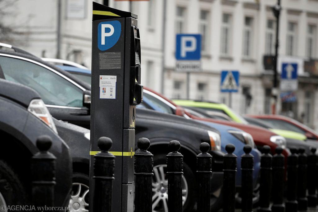 ,Parking miejski na ulicy Podwale w Warszawie