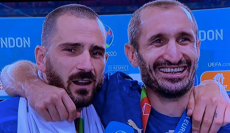 Leonardo Bonucci i Giorgio Chiellini po finale Euro 2020. Źródło: Twitter