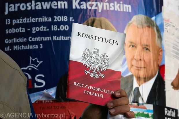 Bruce Ackerman: Warunkiem odzyskania przez Polskę gwarancji wynikających z zobowiązań USA wobec NATO jest triumf w nadchodzących wyborach sił prodemokratycznych.