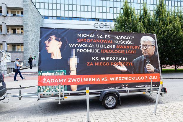 Fundacja Życie i Rodzina chce usunięcia ks. prof. Alfreda Wierzbickiego z KUL. Za poręczenie za Margot