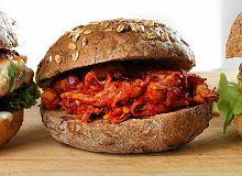 Burger z pomidorowym kurczakiem - ugotuj
