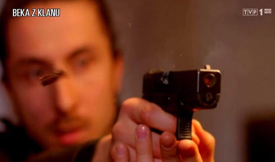 Strzelanina W Klanie Tak Się Robi Sceny Akcji Internet
