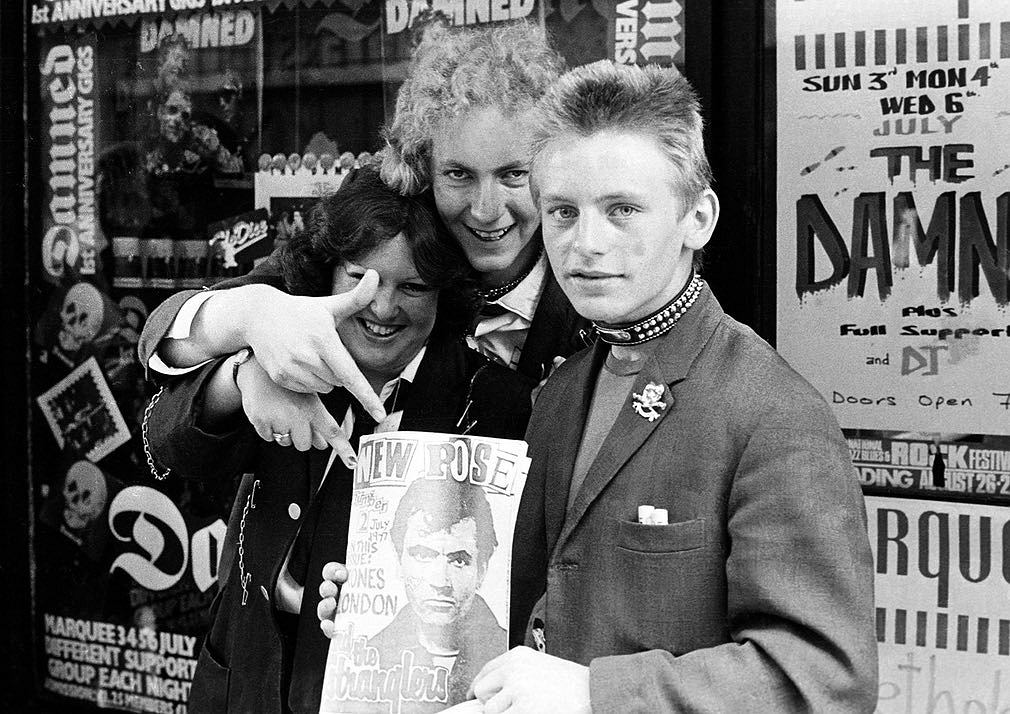 Damned fans at Marquee, London 1977 / Ian Dickson