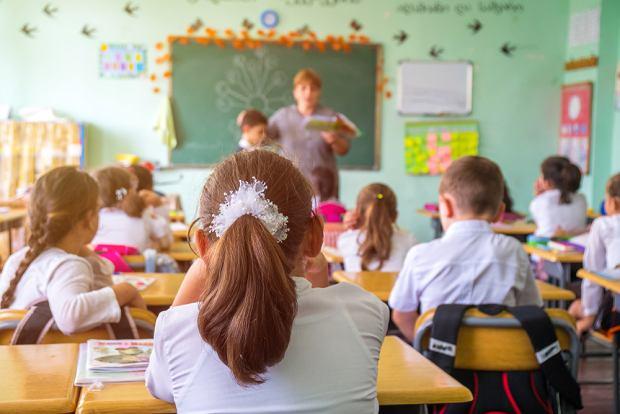 Czwartoklasistka odmówiła rozwiązania zadania z matematyki. Mistrzowski liścik 10-latki do nauczycielki