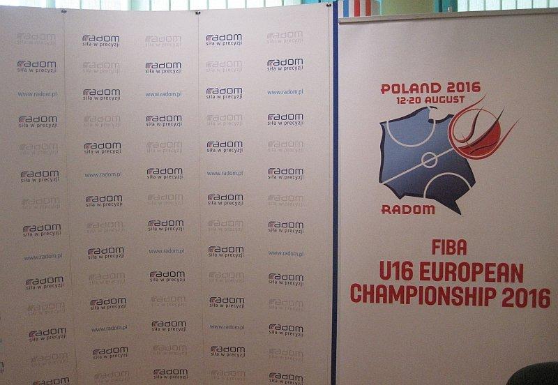 Podpisanie umowy na organizację w Radomiu koszykarskich finałów mistrzostw Europy 2016 do lat 16
