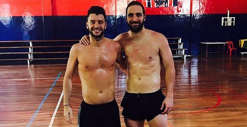 Z prawej, Gonzalo Higuain