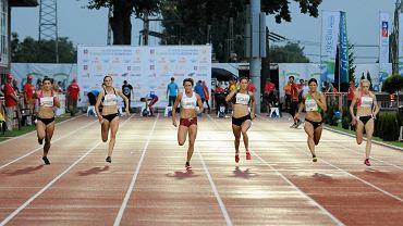Finał kobiecego sprintu - Anna Kiełbasińska (tor 3)