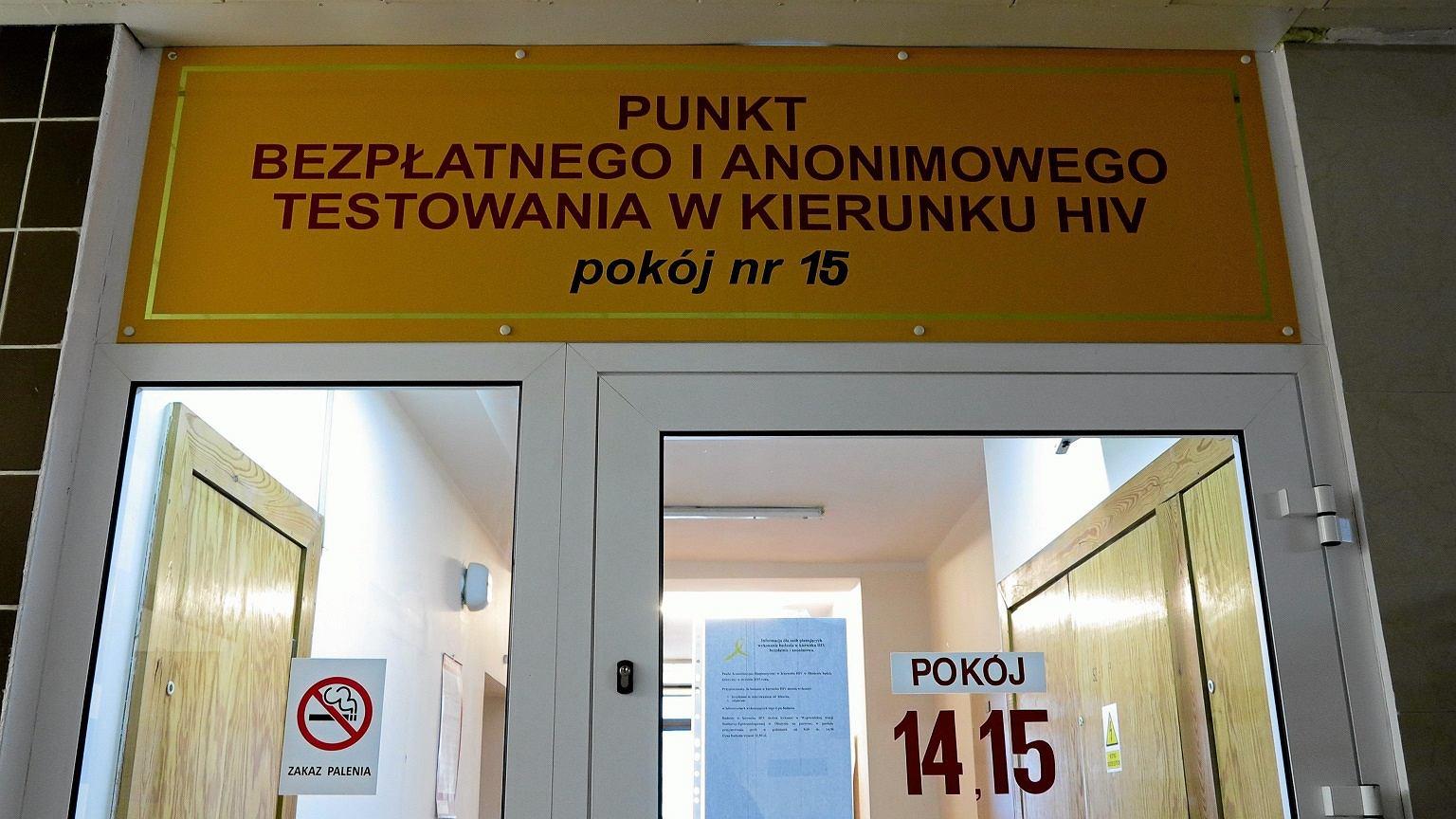 Polacy wciąż nie badają się na obecność wirusa HIV we krwi. Zaledwie co 10 osoba wykonała test