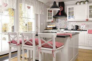 Czerwone ściany W Kuchni Budowa Projektowanie I Remont