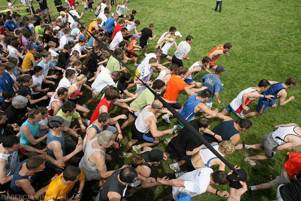 Polska naprawdę biega! W ten weekend na biegowe trasy ruszy ponad 120 tys. osób.