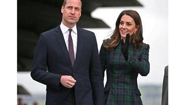 Kate Middleton w sukience w kratę