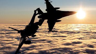 Dwa polskie F-16