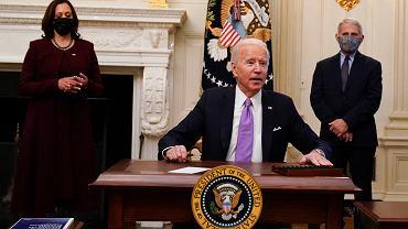 USA. Biden ogłosił plan walki z COVID-19. Wprowadza m.in. obowiązkową kwarantannę dla podróżnych