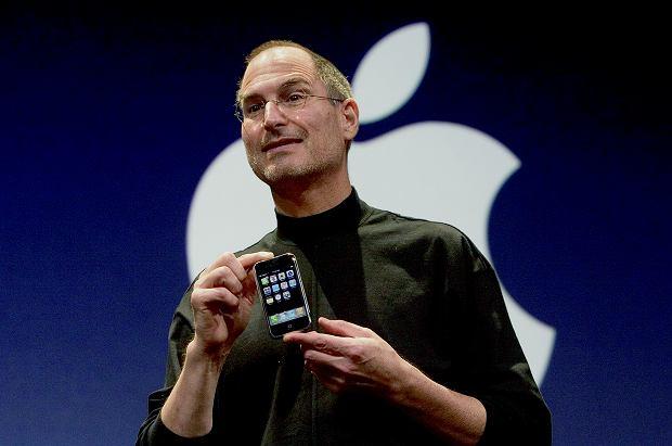 Steve Jobs: 'Jedynym sposobem na tworzenie rzeczy wielkich jest miłość do tego, co się robi'.