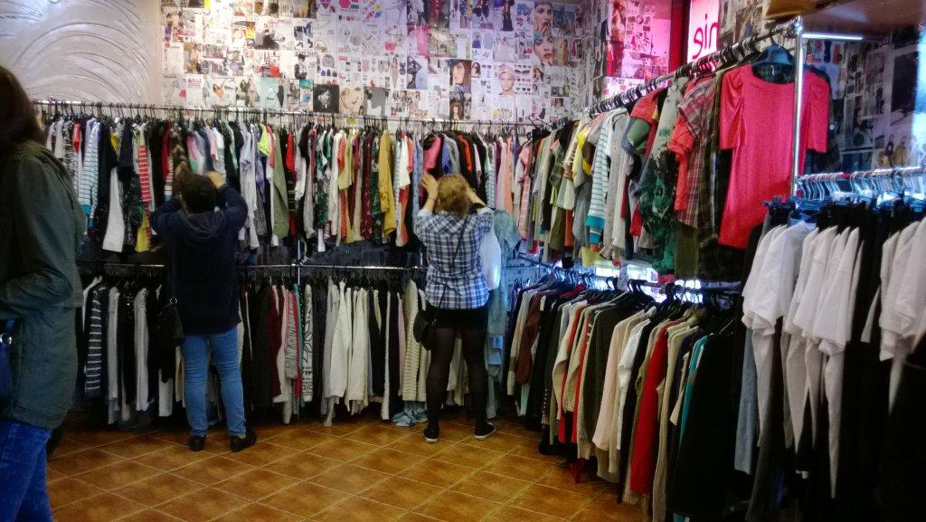 b7bbda2d84368e Gdzie kupować tanie ubrania? Hugo Boss - królem second handu ...