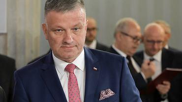 Poseł PiS Grzegorz Woźniak (na zdjęciu) urządził imieniny. Przyszło 200 osób, w tym dyrektor szpitala w Garwolinie. Wśród nich mogły być osoby zarażone...
