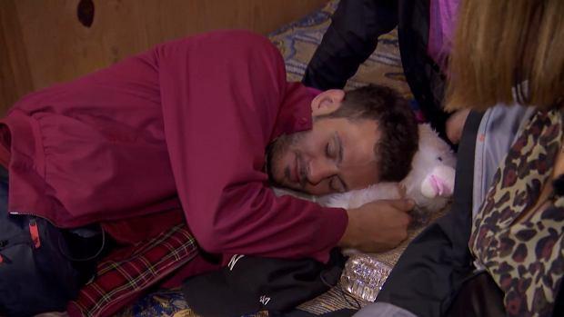 Filip spał z pluszakiem