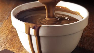 Lecznicza dawka czekolady to kostka dziennie. Kostka, nie tabliczka! Najlepiej jeść oczywiście gorzką czekoladę