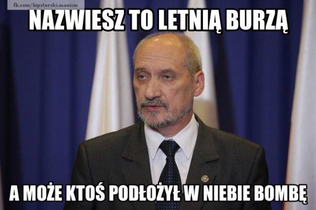 Zdjęcie numer 2 w galerii - Kolejne memy z Macierewiczem, tak sieć wita nową komisję ds. katastrofy smoleńskiej