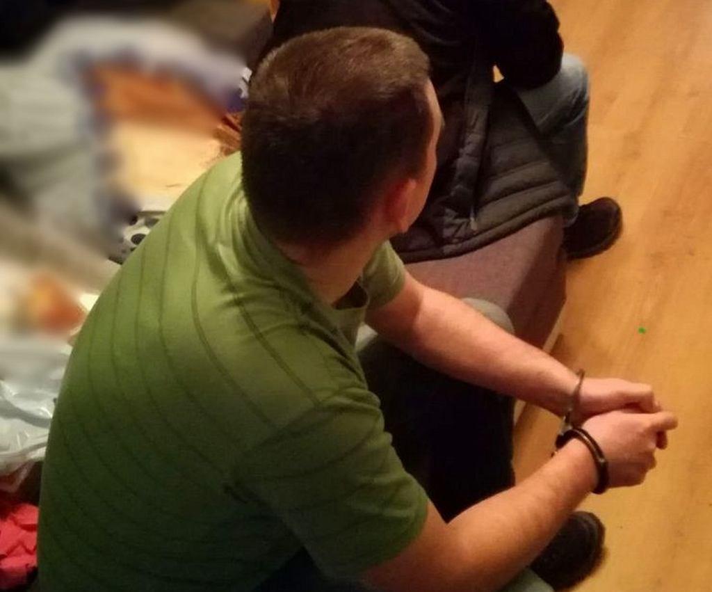 Mieszkaniec Bytowa zmuszał nastolatkę do wysyłania nagich zdjęć