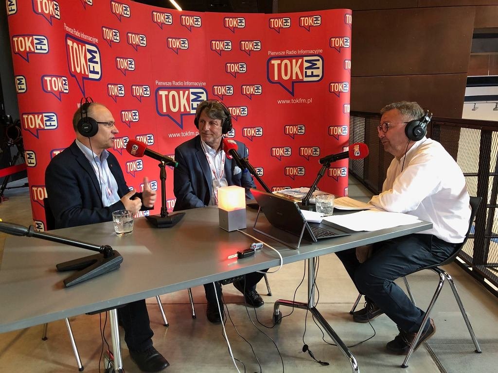 Zbigniew Janas i Jerzy Borowczak w studiu TOK FM w Europejskim Centrum Solidarności.